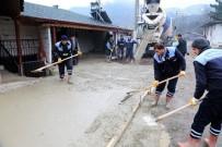 YOL ÇALIŞMASI - Fevzi Çakmak Caddesinde Beton Yol Çalışması