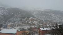 GİZLİ BUZLANMA - Gümüşhane'de Kar Yağışı