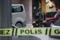 BOMBA İMHA UZMANI - Manisa'da Şüpheli Poşet Fünyeyle Patlatıldı
