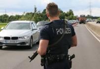 SCHENGEN - Schengen Anlaşması'nda Sınır Kontrolleri Üç Ay Daha Uzatıldı