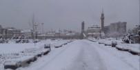 KIŞ LASTİĞİ - Sivas'ta 680 Köy Yolu Ulaşıma Kapandı