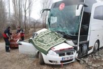 Tokat'ta Yolcu Otobüsü İle Otomobil Çarpıştı Açıklaması 3 Ölü, 5 Yaralı