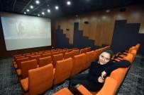SİNEMA SALONU - Varsak'taki Sinema Salonları Bölge Sakinlerini Memnun Ediyor