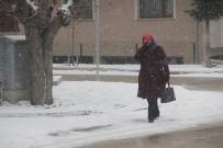 Bolu Kent Merkezinde Kar Yağışı Etkili Oldu