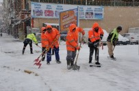 SARAYCıK - Bozüyük'te Yoğun Kar Yağışı İlçeyi Etkisi Altına Aldı