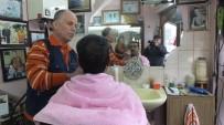 Burhaniyeli Berber 140 Yıllık Mekanda 4. Kuşak Olarak Mesleğini Sürdürüyor