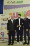 İZZETTIN KÜÇÜK - İstanbul Aydın Üniversitesi Öğrencisine Tasarım Ödülü