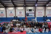 MURAT DURU - Kaymakam Duru, Tekvando Turnuvasına Katıldı