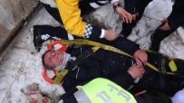 Kazaya Müdahale Eden Polise Otomobil Çarptı Açıklaması 1 Yaralı