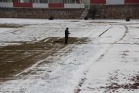 KAR KÜREME ARACI - Koca Stadı Tek Başına Temizliyor
