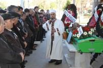 FERDİ TAYFUR - Türkülerin Babası Son Yolculuğuna Uğurlandı