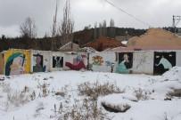SOKAK SANATÇILARI - Yıkılan Evin Duvarları Sanatla Güzelleşti