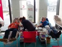 Zeytinburnu Belediyesi'nden Kan Bağışı Kampanyasına Destek