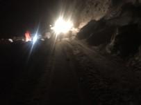 Ağrı'da Araçlar Çığda Mahsur Kaldı
