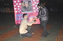 DINDAR - Genç Aşıktan Sürpriz Evlenme Teklifi