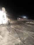 Hamur'da Mahsur Kalan Yolcular Kurtarıldı