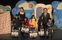 ÇOCUK TİYATROSU - Tatili Fırsat Bilen Çocuklardan, 'Berfu'nun Rüyası' İsimli Tiyatro Gösterisine Yoğun İlgi