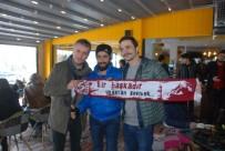 MURAT CEMCİR - Ünlü Oyuncular Murat Cemcir Ve Ahmet Kural, Hayranları İle Buluştu