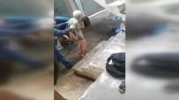 ALZHEİMER HASTASI - Yaşlı adama buz gibi havada soğuk duş