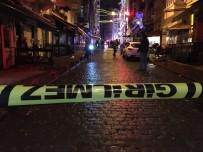 OKMEYDANı - Beyoğlu'nda Silahlı Kavga  Açıklaması 1'İ Polis 4 Yaralı