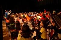 AHMET ATAÇ - Çocuk Senfoni Orkestrası Bergama'da Gönülleri Fethetti