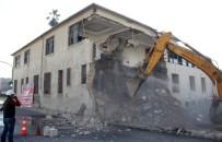 FUZULİ - Eski Adana Orduevi'nin Yıkımına Başlandı