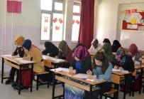 MUSTAFA KAYA - Gaziantep'te Umre Ödüllü Siyer Sınavına 8 Bin Kişi Katıldı