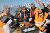 TAMER ORHAN - Osmaniye'de Sucuk-Ekmek Festivalinde 2 Ton Sucuk Dağıtıldı