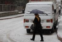 Elazığ'da Kar Yağışı, 4 Köy Yolu Ulaşıma Kapandı