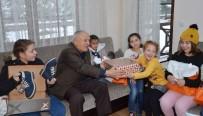 Kamil Dedeleri, Torunlarını Bu Yılbaşında Da Unutmadı