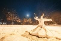 Kardan Barış Heykeli Yaptı