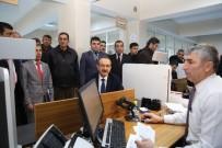 SEDDAR YAVUZ - Muş'ta Çipli Kimlik Kartına İlk Başvuru Vali Yavuz'dan