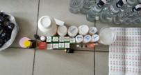 İÇKİ ŞİŞESİ - Piyasaya Sürülmek Üzere 100 Şişe Sahte İçki Ele Geçirildi