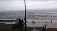 SAO PAULO - Plajda Üzerine Yıldırım Düştü