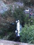 Sinop'ta Otomobil Uçuruma Yuvarlandı Açıklaması 3 Yaralı