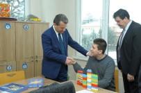 EĞITIM İŞ - Vali Çelik, Engelli Öğrencileri Okullarında Ziyaret Etti