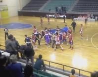 RECEP YAZıCıOĞLU - Basketbol Maçında Yumruklu Tekmeli Kavga