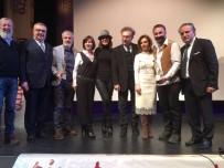 HALDUN DORMEN - Frankfurt Türk Tiyatro Festivaline Ödül Yağdı