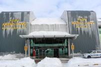 AHMED-I HANI - Havalimanının Duvarları Bile Buz Tuttu...