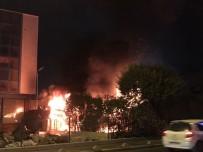 SEFAKÖY - İş Merkezinin Bahçesindeki Konteyner Alev Alev Yandı