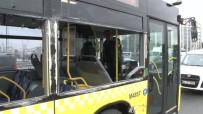 OKMEYDANı - Kaza Yapan Metrobüs Şoförü, Gazetecilere Saldırdı