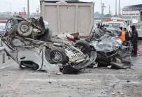 HAFRİYAT KAMYONU - Kontrolden Çıkan Kamyon Dehşet Saçtı Açıklaması 1 Ölü 17 Yaralı