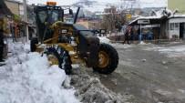 KALDIRIMLAR - Kulp'ta Kar Temizleme Seferberliği