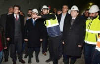 BÜLENT TURAN - Turan, Çanakkale-İzmir Karayolunda Yapılan Tünel İnşaatını Gezdi
