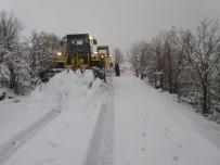 YAZıBAŞı - Adıyaman'da 70 Köy Ve 79 Mezraya Ulaşım Sağlanamıyor