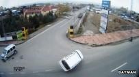 MOBESE KAMERALARI - Batman'da Trafik Kazaları Mobese Kameralarına Yansıdı