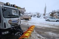KALDIRIMLAR - Bünyan'da Karla Mücadele Çalışmaları Aralıksız Sürüyor