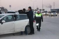 ÖZEL HAREKAT POLİSLERİ - Denizli'de Geniş Çaplı Asayiş Uygulaması