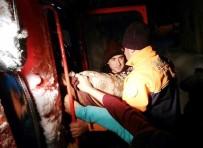 Karda Mahsur Kalan Hastaları AFAD Ve UMKE Ekipleri Kurtardı