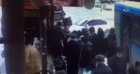 ALTUNTAŞ - Otomobil Otobüs Durağına Daldı Açıklaması 1 Ölü